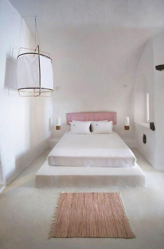 Sophia Caldery suites on Santorni