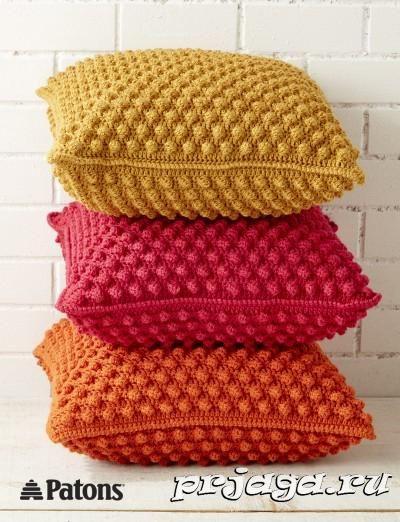 Вязаные подушки крючком