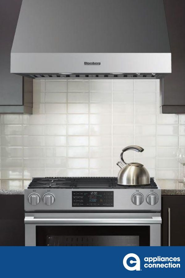 The Under Cabinet Professional Range Hood From Blomberg Features A Powerful 600 Cfm Fan With 4 Different Fan Home Appliances Kitchen Appliances Top Appliances