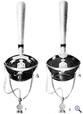 Гусарские кивера со знаками отличия, установленные в 1817 году.