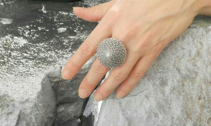 Beautiful structure - Babelfish ring