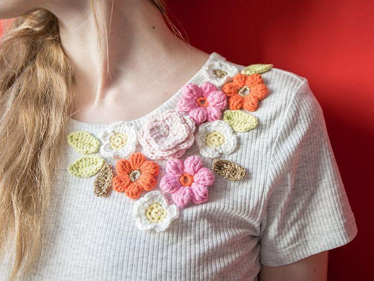 DIY-Anleitung: T-Shirt mit gehäkelten Blumen verzieren via DaWanda.com