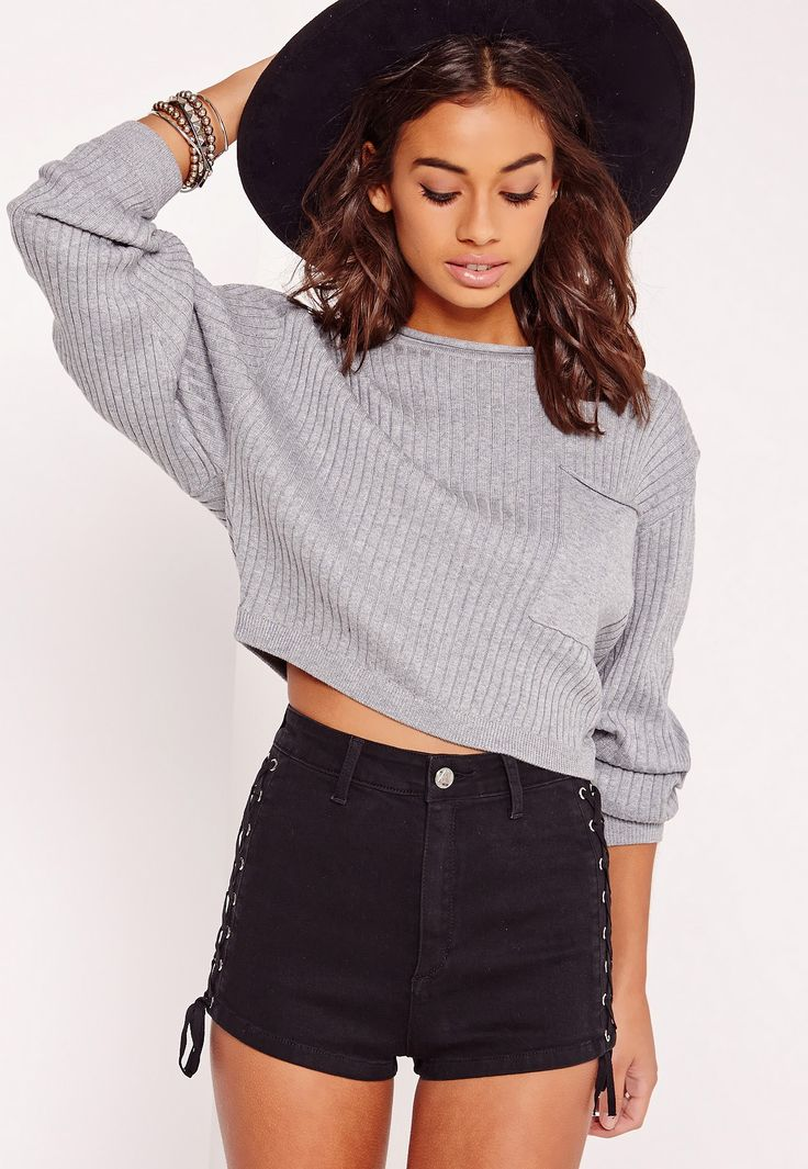 Update your wardrobe in fresh new threads and feast your eyes on this jumper. In a neutral grey hue, ribbed and crop style, you'll look effortlessly flawless. The batwing feature will automatically add 80s vibes to your look. Style with tas...