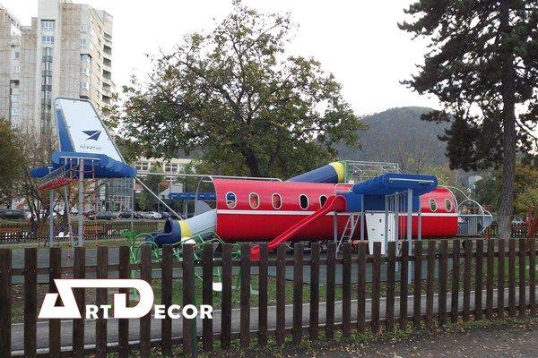 Echipament de joaca pentru copii in forma de avion.Parc aeronautic.Art Decor