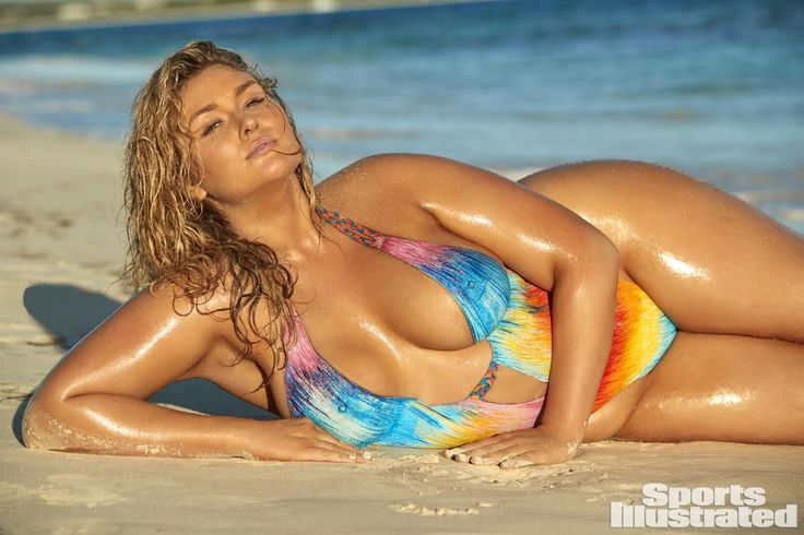 """Hunter McGrady didn't get her beginning as a curvy model.  She invested years eating less carbs to compel her body to remain below 120lbs... in spite of her 5'11"""" , since she thought there was zero chance she would do modeling at a higher weight.  For her, it is now a dream-come-true. """"Beauty (...)"""