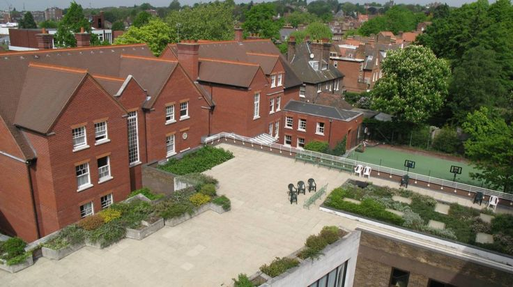 Find rooms in Netherhall House with Student.com. 100% free service - book your room today!