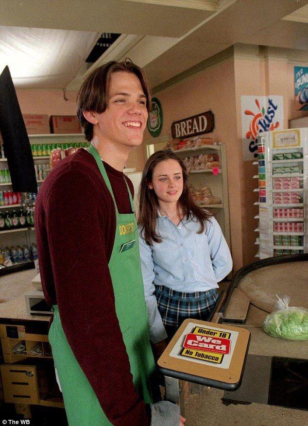 Pin von Tina K auf Gilmore Girls in 2020   Rory gilmore ...