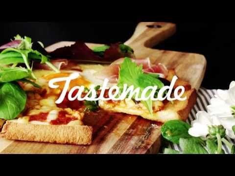 【レシピ】食パンで作る半熟卵のピザの作り方 - YouTube
