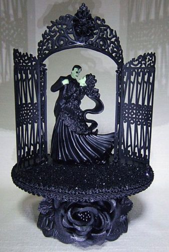 17 Best Images About Gothic Wedding Ideas On Pinterest Gothic Wedding Cake