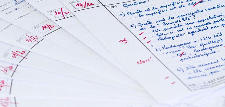 Des chercheurs testent actuellement, dans 70 collèges et lycées, une alternative au traditionnel système de notation : l'évaluation par compétences. Si les premiers résultats sont prometteurs, l'expérience est bien loin d'être finie. Décryptage.