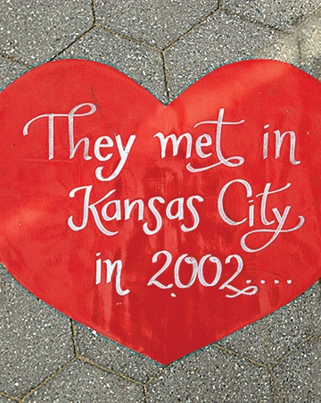 Their story on hearts leading to the ceremony/reception      what a cute idea!: So Cute, Cute Ideas, Outside Wedding, Pathways, Sidewalks Chalk, Receptions Hall, Receptions Area, Heart Leaded, Walks In