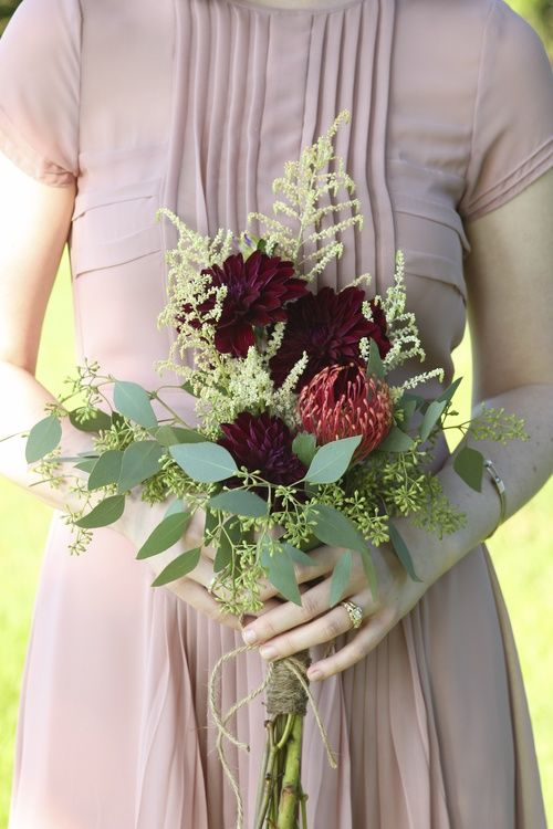 Rosemary & Finch Floral Design: Bouquets Composition, Red Dahlias, Dresses, Finch Floral, Simple Bridesmaid Bouquets, Bouquets Galor, Finch Kaitlin, Blog, Flower