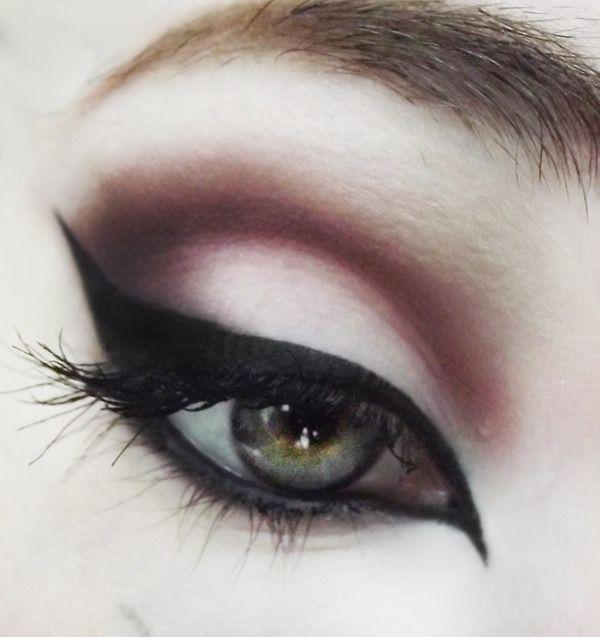 Love this eyeliner!!!!<3