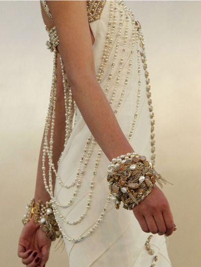 Pearls on a Sari, dead #Top10Jen
