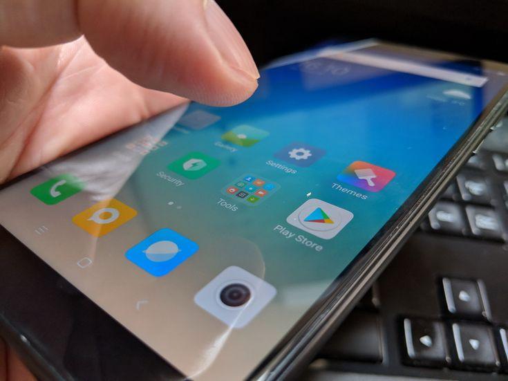 Xiaomi Redmi 5 Plus: Conectivitate cu rezultate bunicele, dar doar midrange
