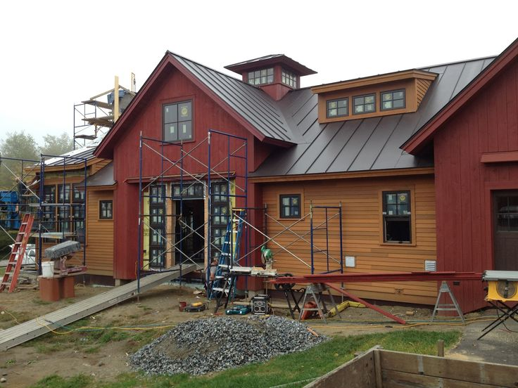 Houses With Two Tone Red And Brown Siding The Homeowner 39 S Of This Vermont Home Chose Two