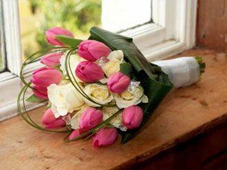 Bouquet con Rosas y Tulipanes -- Fotografía: Perfect Wedding Day