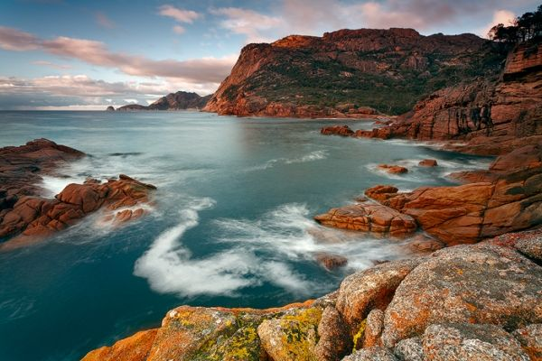 Sleepy Bay on Tasmania's Freycinet Peninsula. #freycinet #tasmania #discovertasmania Image Credit: Lee Duguid