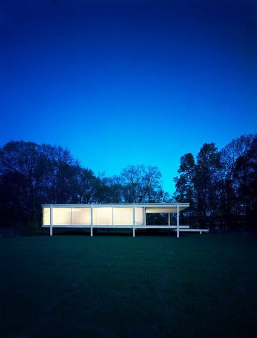 Farnsworth House | 1951 | Plano, Illinois | Mies van der Rohe | photo by François Dischinger