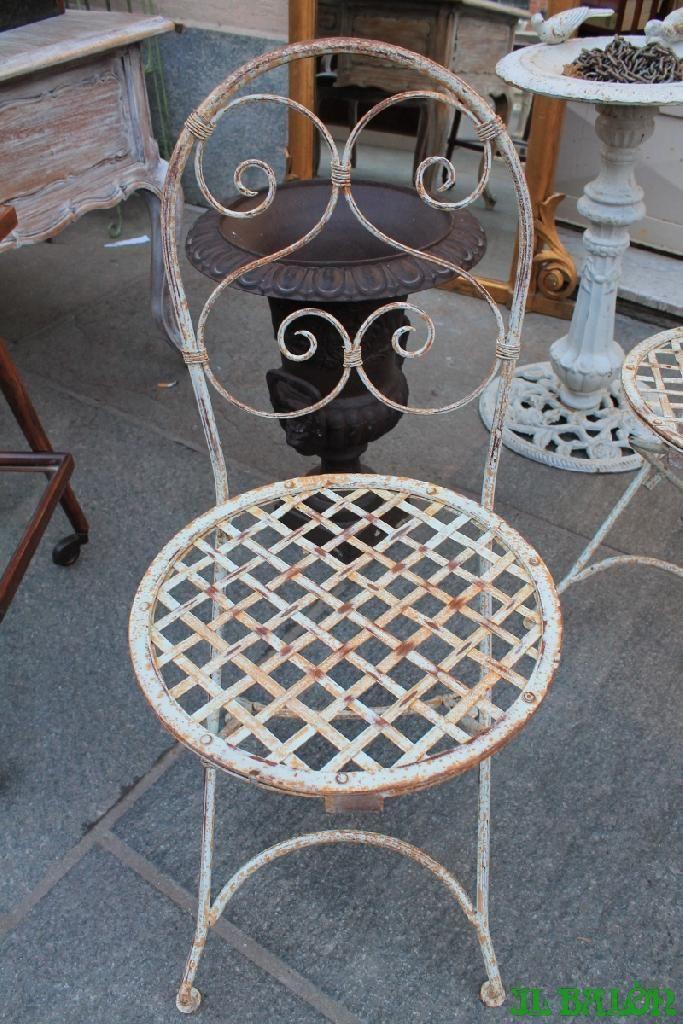 Gruppo di 6 sedie in ferro francesi lacca bianca nate per un giardino molto carine anche per un ambiente piacevolmente country  magari vicino ad un [...]