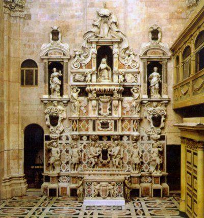 RE MARTINO IL GIOVANE   Monumento in marmo policromo commissionato dal Viceré spagnolo ...