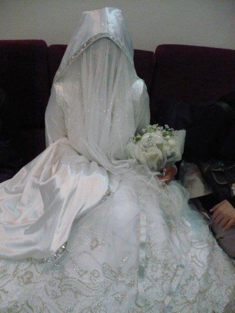 bride with niqab