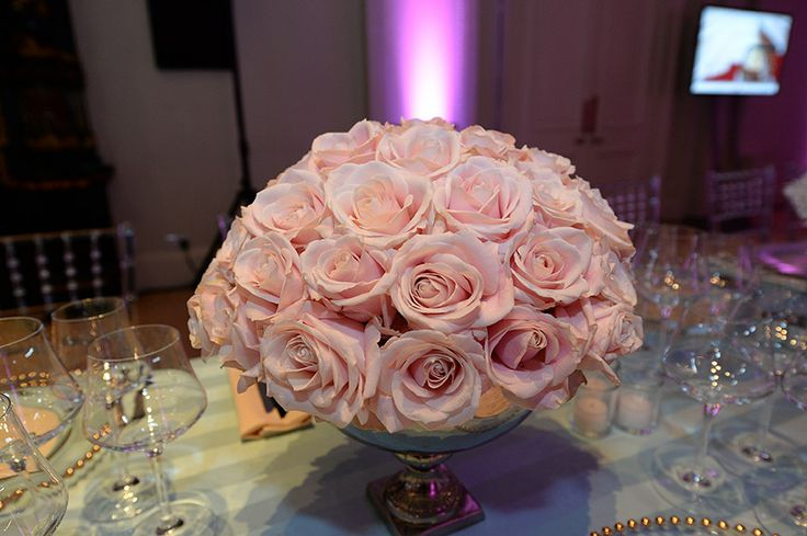 Pink vintage roses by Hayford and Rhodes at Kent House Knightsbridge Agency Dinner 2014