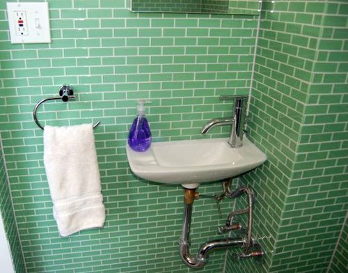 vintage subway tile bathroom 17 best ideas about mint green bathrooms on 21248