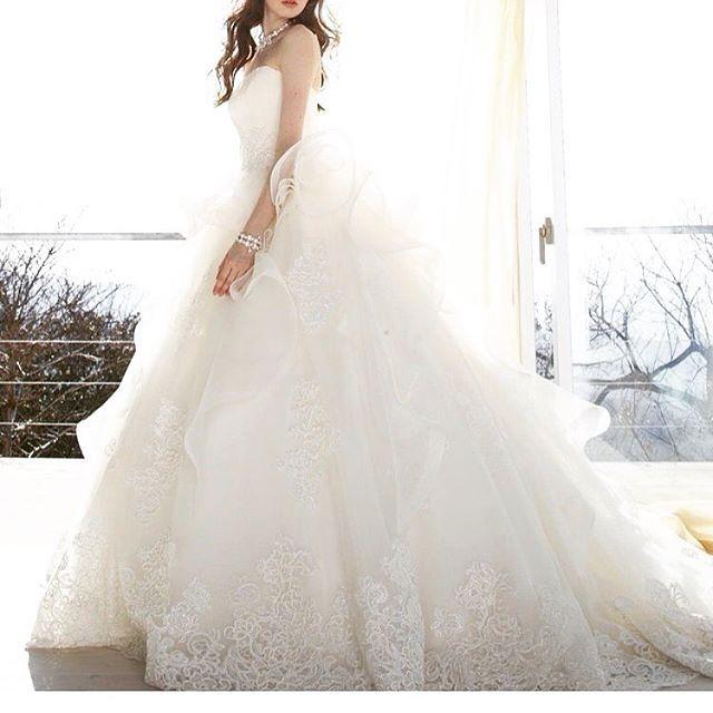 #weddingdress #dress #bridalgown #instafashion #ウエディングドレス #ドレス#ホワイト #きれい#大人可愛い #プレ花嫁 #花嫁#結婚式 #結婚準備 #ブライダル#レース#エアリー #kiyokohata#キヨコハタ