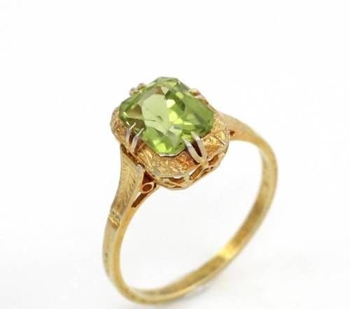 Vintage-Anitque-Solid-14K-Yellow-Gold-Green-Peridot-Filigree-Ring-Size-7