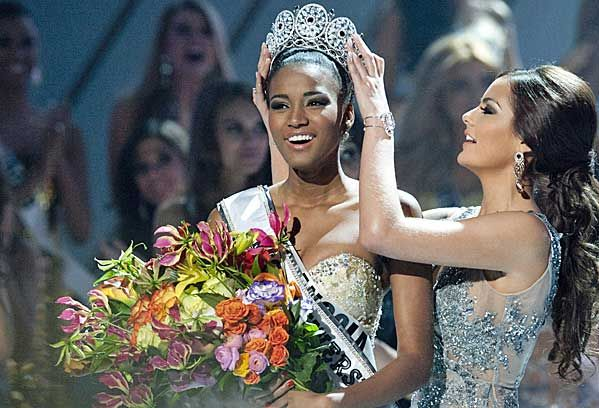 Beautiful and Poised. Congrats Miss Angola