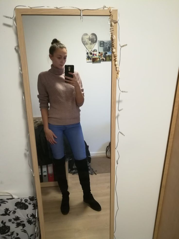 Highboots and a turtleneck sweater!   #easy #winter #outfit #casual #work #women #fashion #style #high #bun #boots #black #turtleneck #millennial #pink
