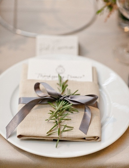 Cute place setting for plates on the table option. Also nice neutral color pallet . I have a TON of Rosemary growing in my garden.