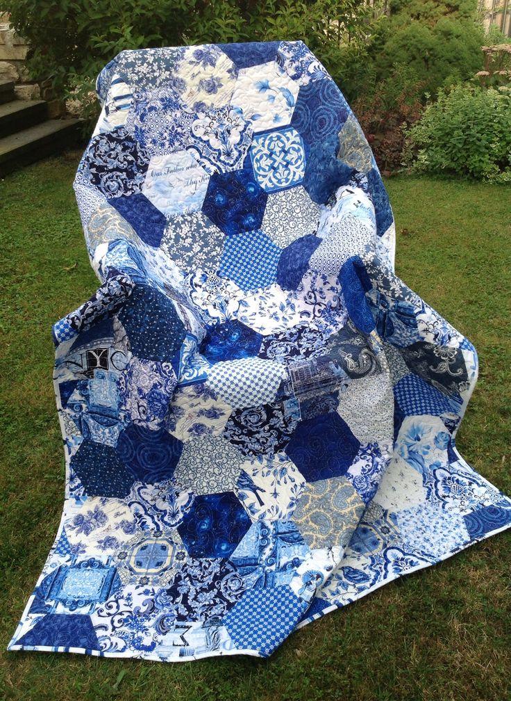 """MY BLUE AND WHITE"" by Prosivana Deka. Michael Miller, Kona fabrics. Hexies 20 cm. Quilt 200 x 142 cm."
