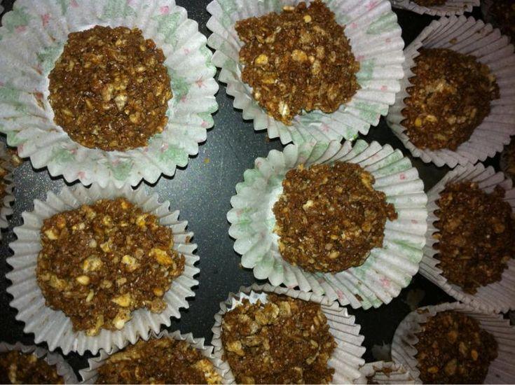 Student Slimmer: RECIPE: Chocolate Scan Bran Cake and Ferrero Rocher 1 syn per ball, makes 23 balls.