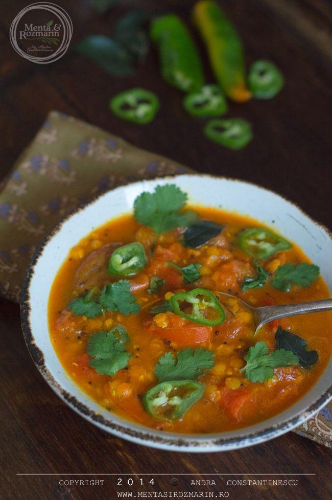 Libraria culinara: Supa picanta de rosii cu linte si chili verde - Menta & Rozmarin