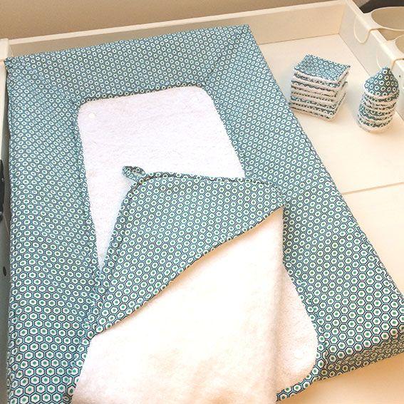Suite à plusieurs demandes d'internautes/couturières, j'ai « enfin » pris le temps de réaliser le tutoriel de ma fameuse housse du matelas à langer pour bébé. Mon …