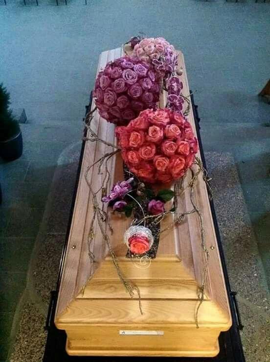 roses #casketadornment
