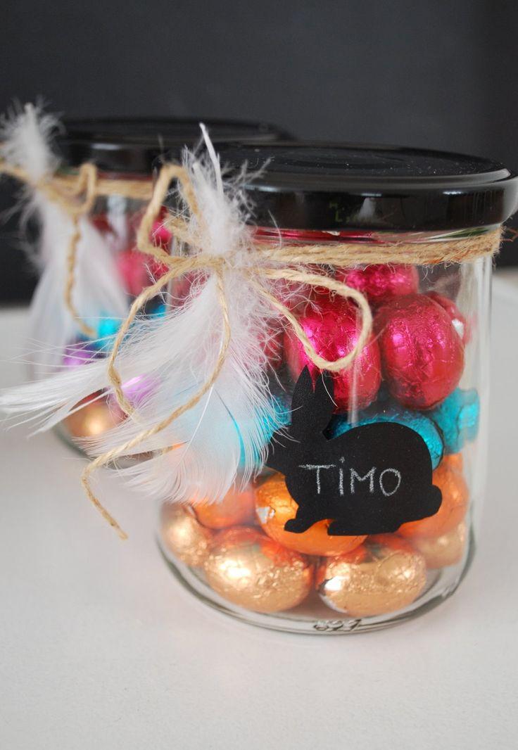 Bei uns gibt es in diesem Jahr die Osternester in einem Glas.   Dafür haben wir ein bisschen Holzwolle in Marmeladegläser gelegt, die...