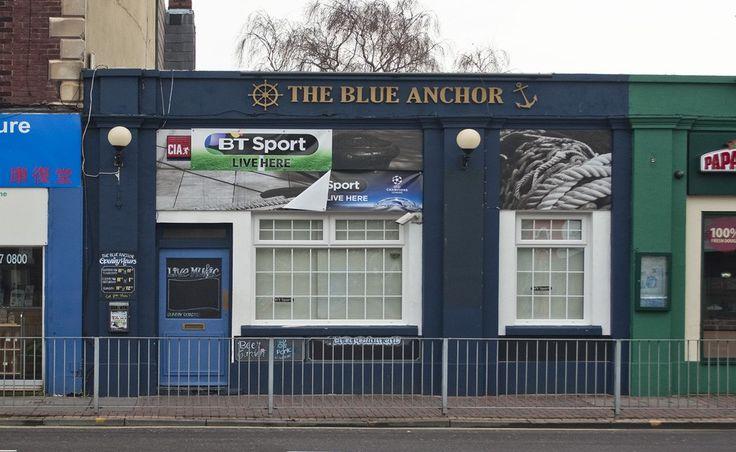 Un grupo de lesbianas son víctimas de un ataque homofóbico perpetrado por un grupo de hasta quince hombres de entre a la salida de un pub de Portsmouth, Hampshire, en el sudeste del Reino Unido.