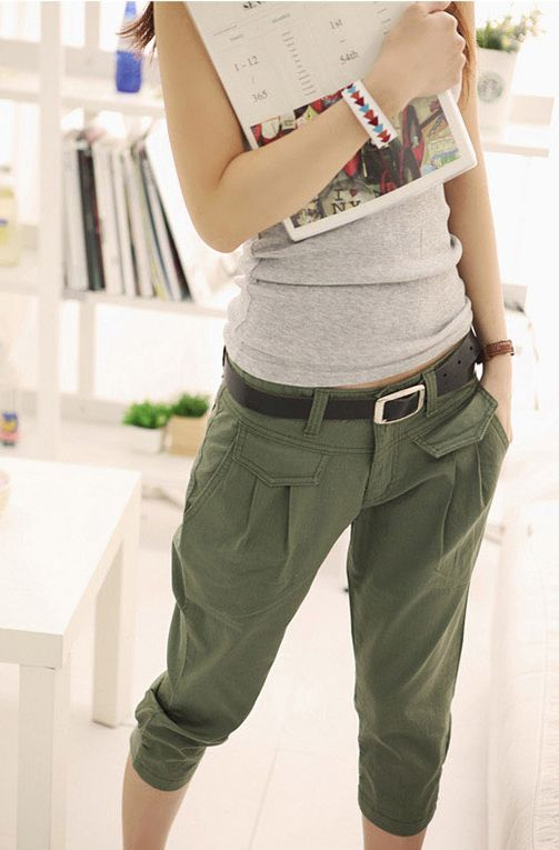 Pleated pants, the right way. olive green low waist capris, tomboy fashion                                                                                                                                                      More
