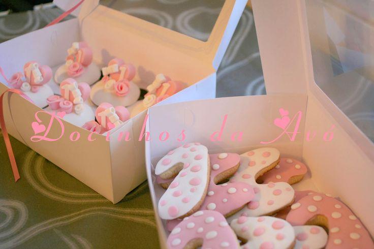 Docinhos da Avó - Cake Design: Cupcakes e Bolachinhas 1º Aniversário