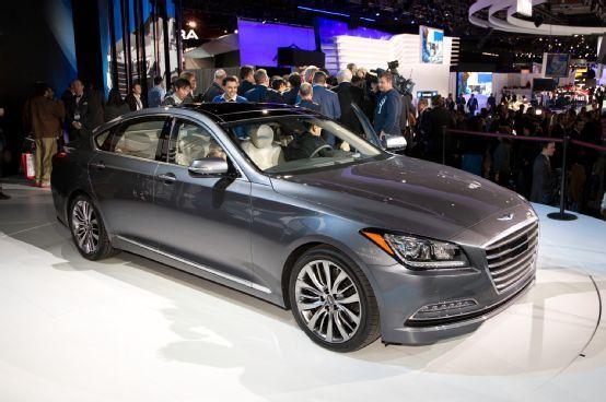 2015 Hyundai Genesis Sedan First Look - Motor Trend