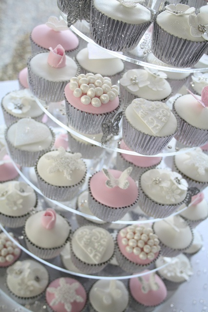 Winter wonderland wedding cupcakes by Cotton and Crumbs, via Flickr,, cupcakes is a yes for my wedding