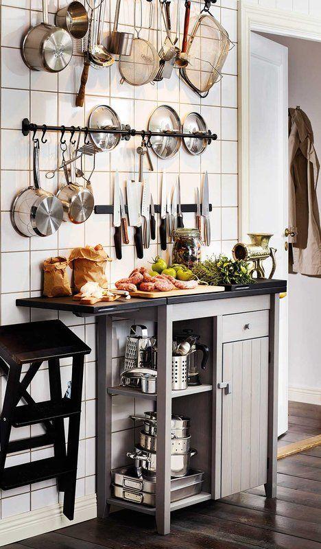 Almacenamiento vertical para una cocina de altura