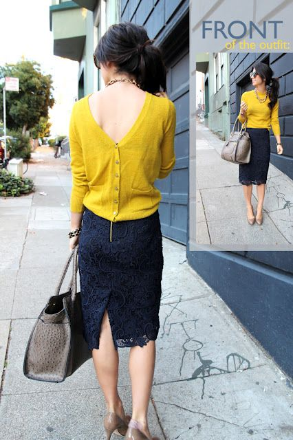 Backwards cardigan, love it with a v-neck  Navy Blue Skirt, Mustard  Yellow Sweater, Black Purse Outfit. El secreto está, en darle la vuelta.