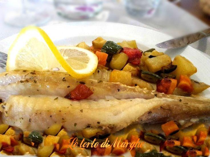 Oggi ecco un piatto davvero molto semplice, coda di rospo al forno su letto di verdure gratinate al forno.
