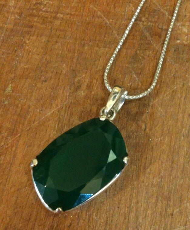 Yeşil Akik taşından 925 ayar Gümüş kolyemiz. Yosun Akik insanın içini koşulsuz sevgi ile doldurur ve kişinin ruhsal gelişimine yardımcı olur. Bu yüzden boynunuzdan eksik etmeyin.  #akik #akiktaşı #agate #kolye #necklace #silver #gumus #gümüş #gumustaki #gümüştakı #taki #takı #takitasarim #takıtasarım #atolye #atölye #jewelry #gemstones #jewelrydesign #gems #dogaltas #doğaltaş