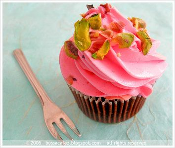 40 Cupcake-Frosting Combinations