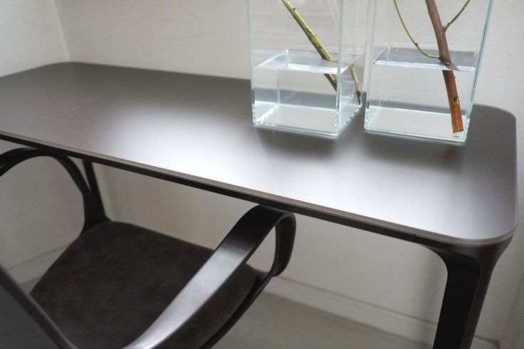 Detail of Slim console with frosted glass top